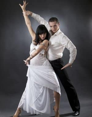 996524-une-wedding-dance