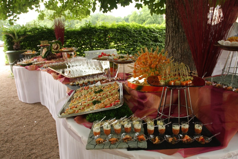 Sehr Organiser un buffet chic et estival pour son mariage CT57